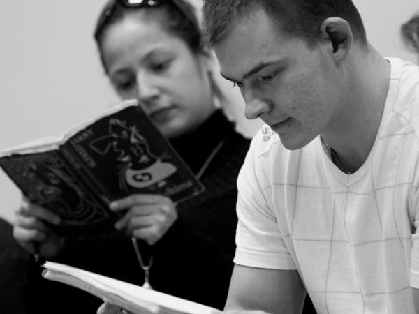 Übü király - Maladype Színház - Fátyol Kamilla, Orosz Ákos (olvasópróba, fotó: SzoFi)