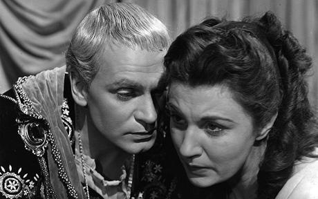 Eileen Herlie és Laurence Olivier a Hamletban