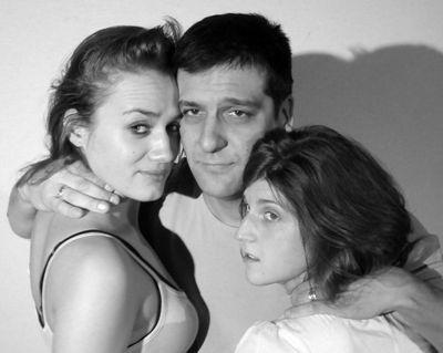 Boldogtalanok - Petrik Andrea, Csányi Sándor, Wéber Kata (Radnóti Színház - fotó: Szöllősy Géza)