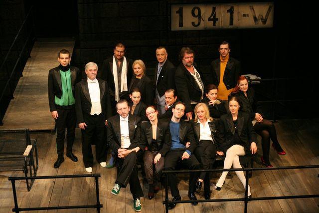 Nyugat 2008-1908 (Örkény Színház - fotó: Gordon Eszter)