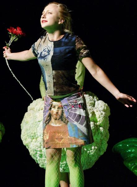 Arturo Ui feltartóztatható felemelkedése - Szandtner Anna (Örkény Színház - fotó: SzoFi)
