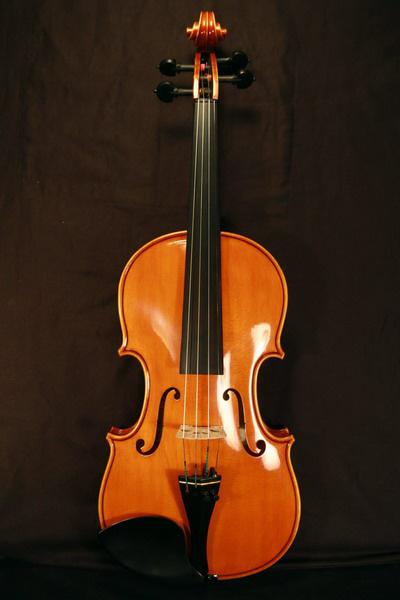 Kónya Lajos hangszerkészítő hegedűje