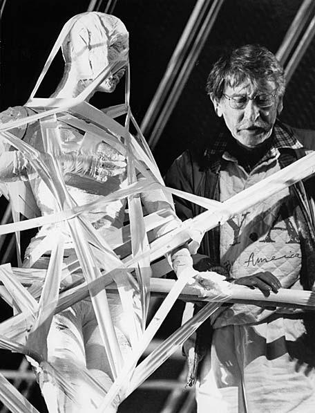 Tábori György rendezi Franz Schmidt Hétpecsétes könyv című darabját 1987-ben