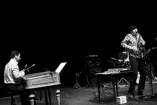Ozone Trio + Lukacs Miklos foto Pawel Karnowski
