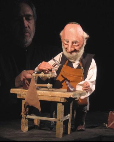 Eric Bass-Sandglass Theatre: Őszi portrék -
