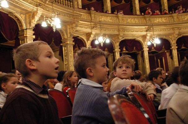 Operaház, gyermekkarácsony