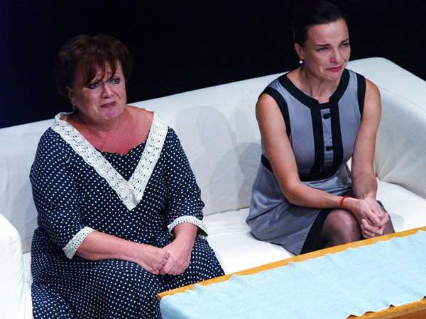 Tiszta vicc - Csákányi Eszter, Kováts Adél (Sanyi és Aranka Színház - fotó: SzoFi)