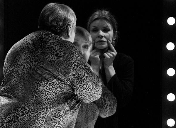 Én vagyok a Te - Molnár Piroska, Schell Judit (Nemzeti Színház - fotó: SzoFi)
