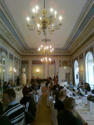 Díszebéd a kismartoni Esterházy-kastélyban, a Wiener Klassik Quartet közreműködésével2011. március 1., Kismarton (Eisenstadt)