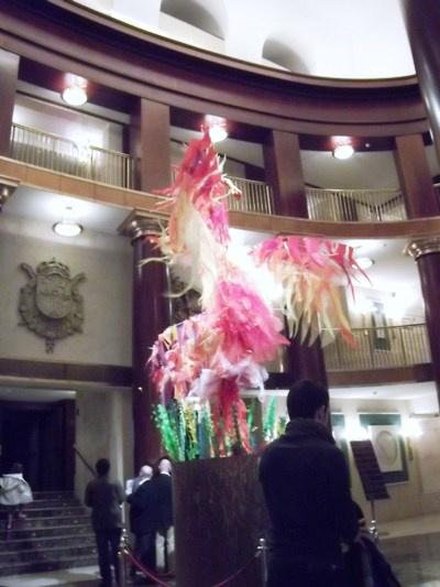 A tűzmadár a Teatro Real előterében