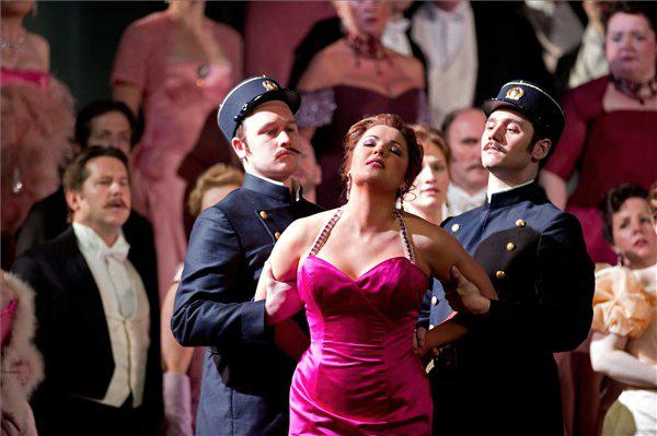 MET 2011/12 (Manon - Anna Netrebko)