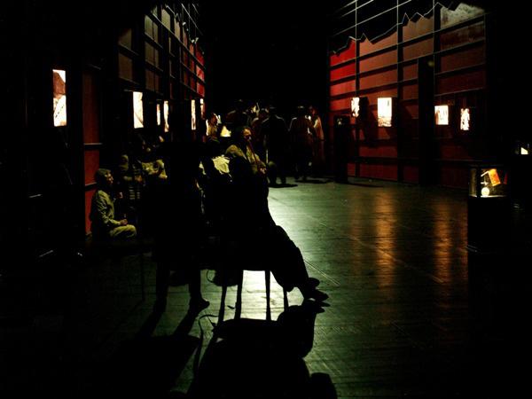 Egyszer élünk... (Nemzeti Színház - fotó: SzoFi)