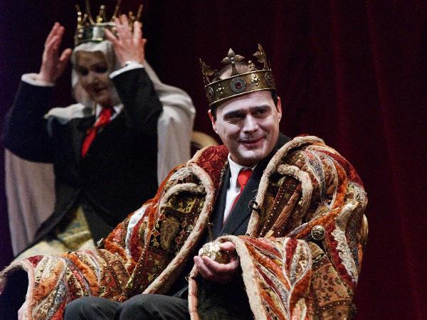 János király - Pogány Judit, Debreczeny Csaba (Örkény Színház - fotó: SzoFi)