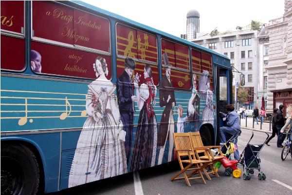 Zenés korzó az Andrássy úton