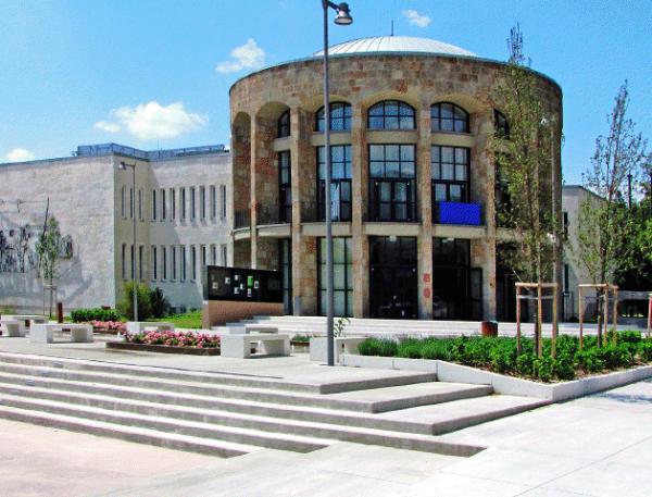 MOM Kulturális Központ épület