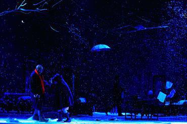 Engem a parketta szegőléce mögé temessetek - Bulandra Színház, Román Színház Fesztivál 2011