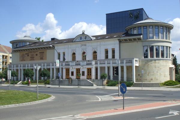 Az egri Gárdonyi Géza Színház épülete