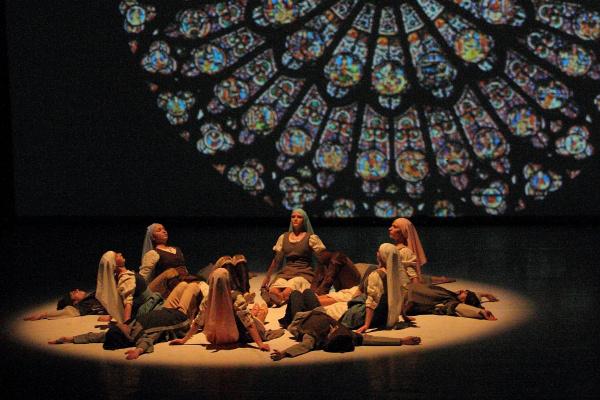 Ifjú Szívek Táncszínház - Az ördög tánca