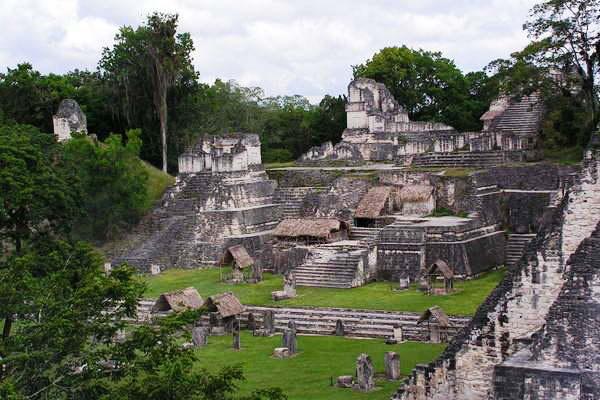 Maja Északi Akropolisz, Tikal, Guatemala