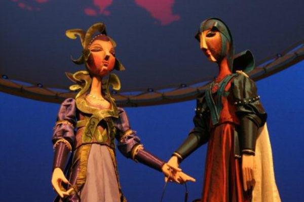 Rózsa és Ibolya