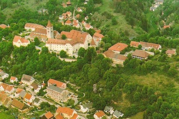 Burg Kastl Magyar Gimnázium