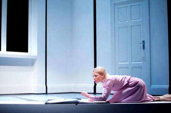 Nagy és kicsi - Cate Blanchett - Sydney Theatre Company