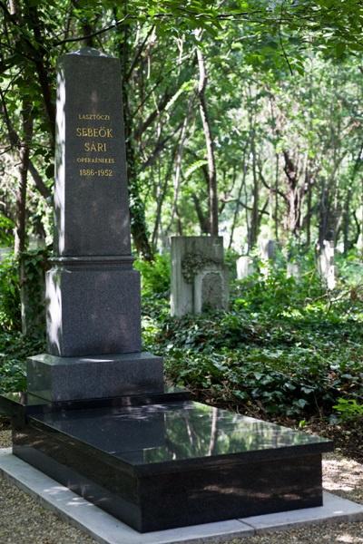 Sebeők Sára síremléke