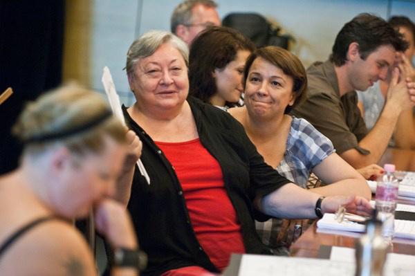 Molnár Piroska, Náray Erika, a háttérben Haja Zsolt - A Mágnás Miska olvasópróbája