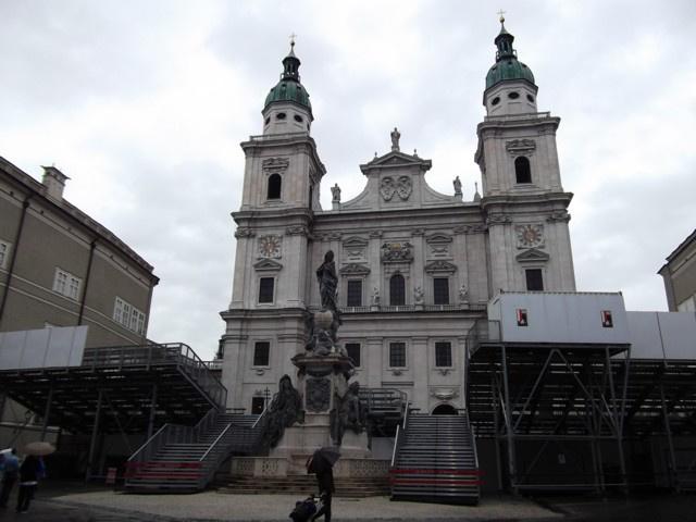 A Dóm az Akárki nézőterével - Salzburg