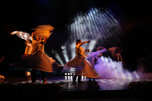 A nő - Sharmistha Mukherjee kathak tánccsoportja