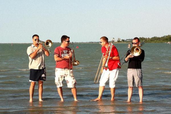 Four Bones nyári turné 2012