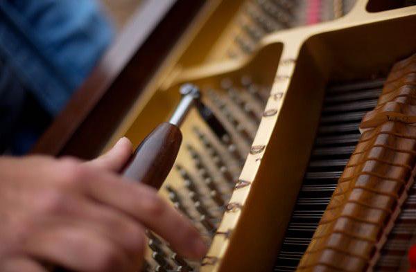 zongora hangolás