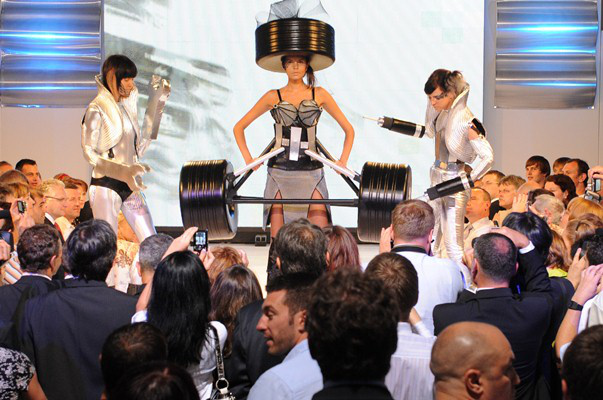 A 2009-es Formula 1 gálaparti nyitószáma a Roxer Event rendezésében