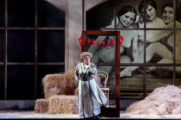 A katonák 2012 - Gabriela Beňačková de la Roche grófnő szerepében