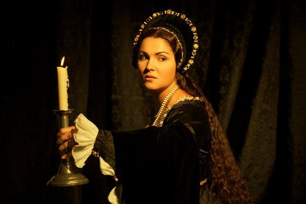 Anna Netrebko a Boleyn Annában (Metropolitan Opera)