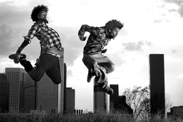 Les Twins - Street Dance Battle