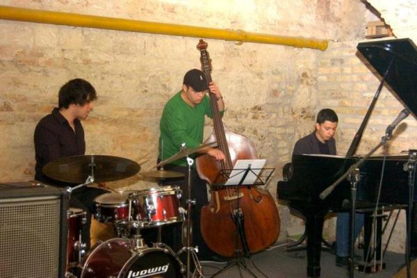 Oláh Krisztián Trio