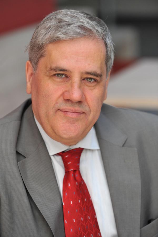 dr. Batta András