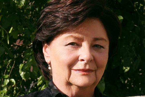 Bérel Ilona - Asszony a fronton, Rózsavölgyi Szalon