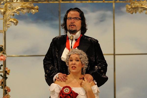 Haris Nadin és Tomás Juhás A Mária Terézia című operában