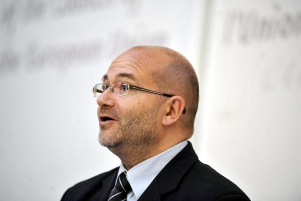 Dr. Gloviczki Zoltán