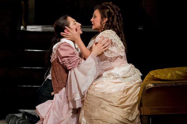 Balga Gabriella és Rost Andrea a Figaro házasságában