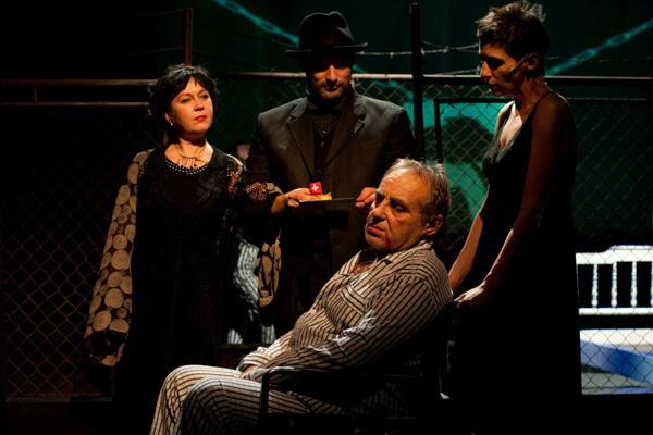 Egy elsurranó patkány - Nemzeti Színház