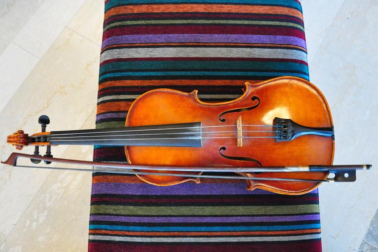 Kelemen László háromhúros népi brácsája - Violin-kulcs sajtóbeszélgetés a Müpa Üvegteremben 2012.11.14-én