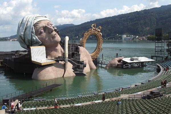 Az André Chanier előkészületei a 2011-es Bregenzi Fesztiválon