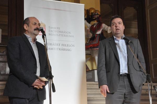 Kelemen László és L. Simon László - Sajtótájékoztató és bejárás a Hagyományok Házában 2012. 11. 29-én