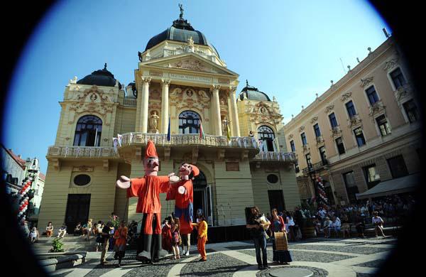 A XII. Pécsi Országos Színházi Találkozó (POSZT) megnyitója