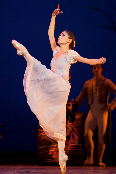 Aliya Tanykpayeva az Anyeginben