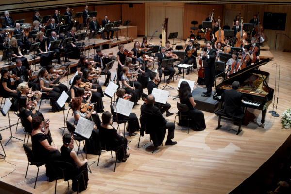 A Pannon Filharmonikusok és Várjon Dénes hangversenye a Bartók-maratonon