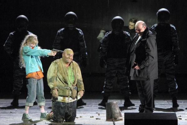 Borisz Godunov - Calixto Bieito rendezése a Bajor Állami Operaházban